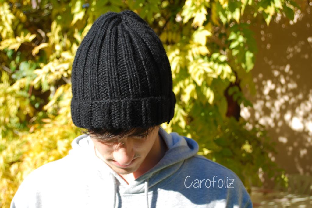 Bonnet pour homme en côtes   simple et rapide à tricoter 440d6e37080
