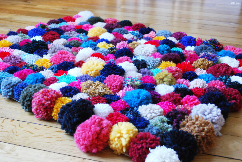 Turbo DIY : Faire son tapis de pompons QW28