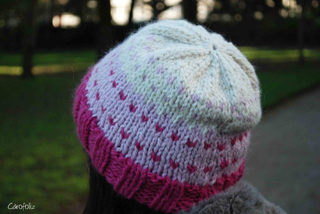 bonnet jacquard au tricot